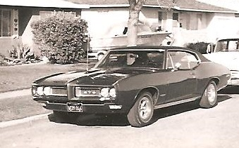 A 1968 picture of a 1968 GTO Hardtop with the Standard Headlamps